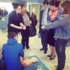 Презентация и тренировка навыков ОБЖ на манекенах ПРАКТИ-МЭН в рамках Вторых Московских Юношеских Медицинских Игр, 26 апреля 2014 года - идет работа